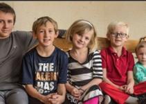 El único sueño de estos 5 hermanos huérfanos es encontrar una familia que los adopte a todos..
